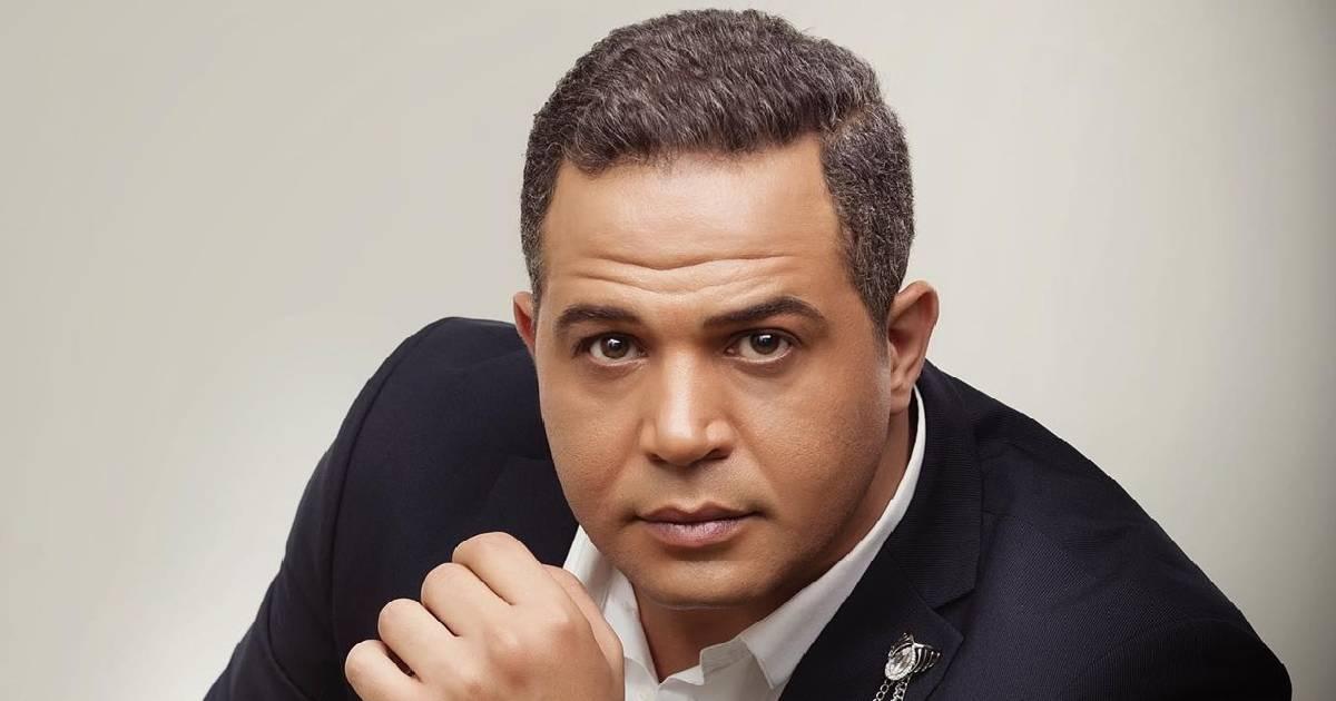 """بعد انسحاب أحمد السعدني .. إنسحاب مصطفي درويش من """"كله بالحب"""""""